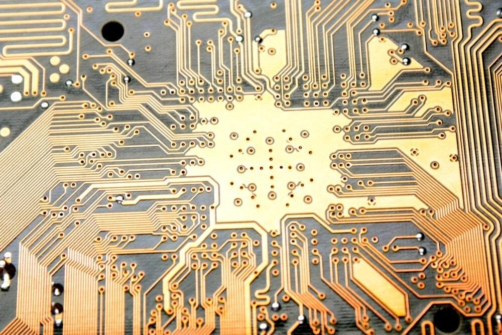 ساخت مدارچاپی با لامینیت و اشعه UV